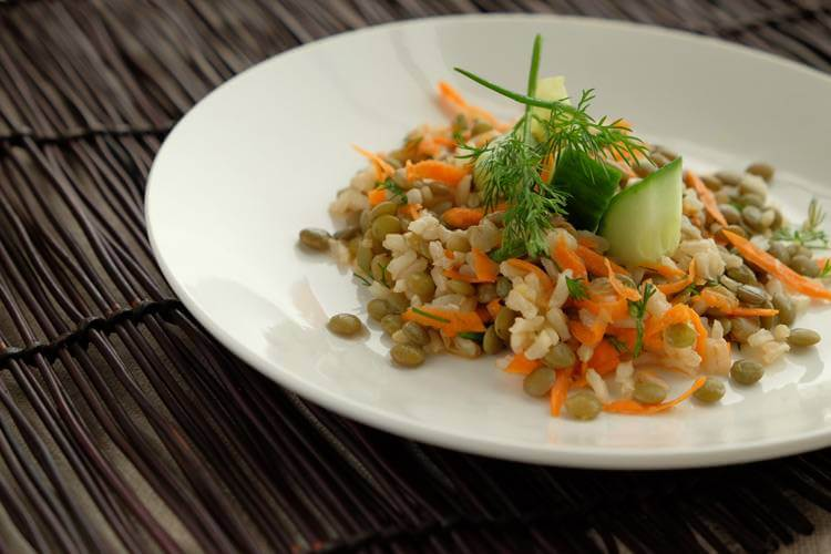 Weekly Recipe Round-Up: Brown Rice & Lentil Salad with Cucumber and Dill