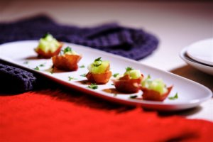 prosciutto with melon and mint